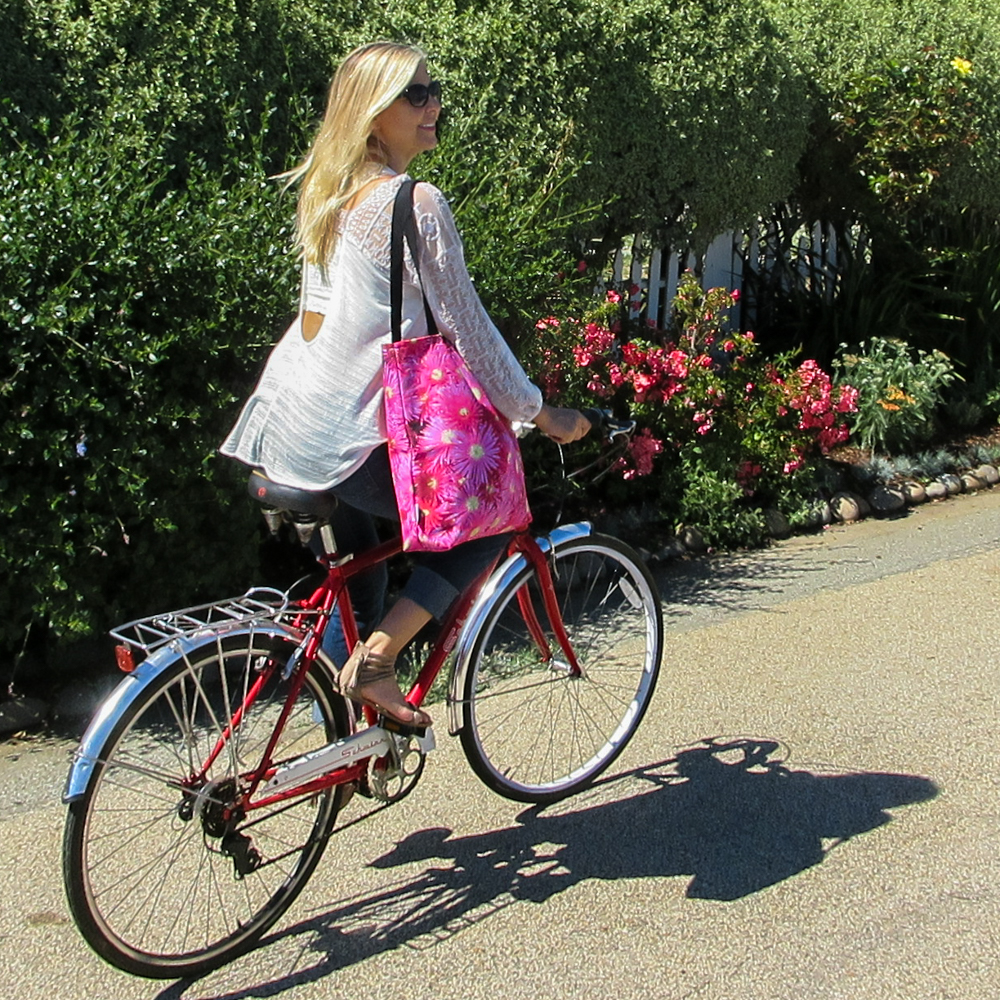 dazzling-pink-flowers-tote-susan-bike-3-capitola-cliffs-july-2016