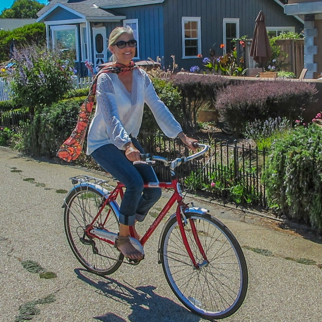 monarch-scarf-susan-bike-capitola
